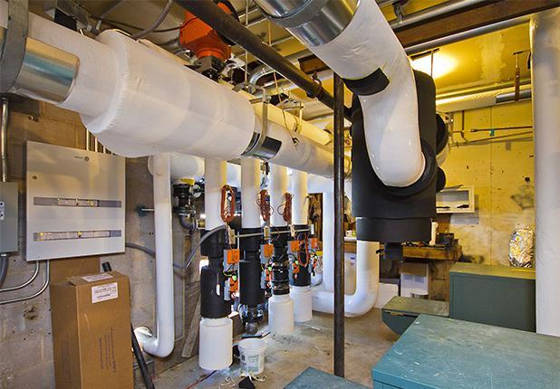 商业机械,电气 & 管道施工服务:球道村管道单位控制中心