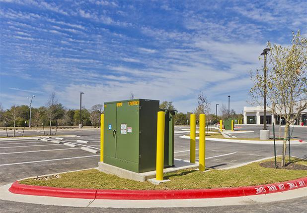Lakeline零售中心停车场控制单元